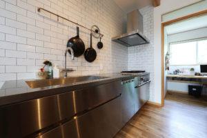 犬山のゼロエネルギーハウスキッチン